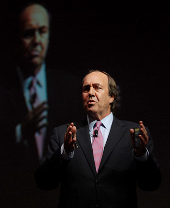 fernando-parrado-speaking